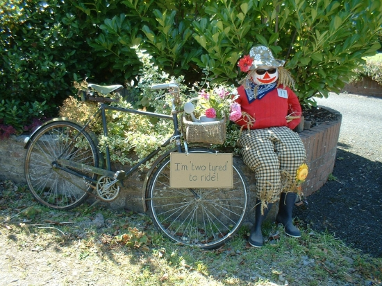 Scarecrow Contest - September 2009: A Tyred Old Scarecrow  © A. Roberts