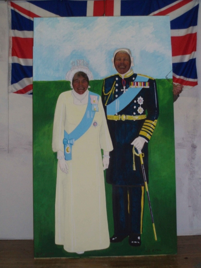 Jubilee Celebrations (June 2012): Bryan & Jackie Markham testing their regal standing !!