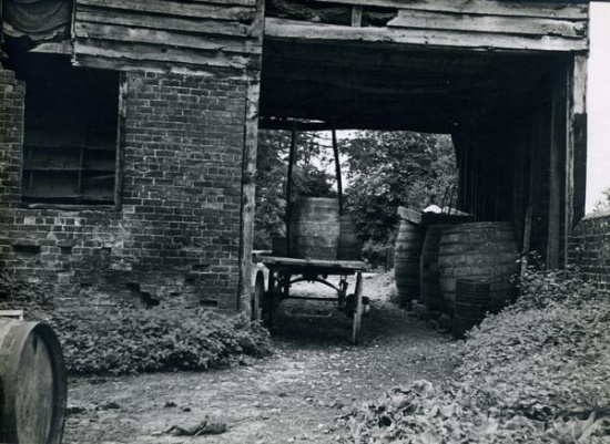 Waterloo Mill 1939;  copyright https://millsarchive.org/