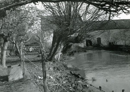 At the back of Lugg Mill, Lugg Green; copyright https://millsarchive.org/