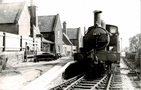 An engine at Kingsland railway station; courtesy of Malcolm Sampson